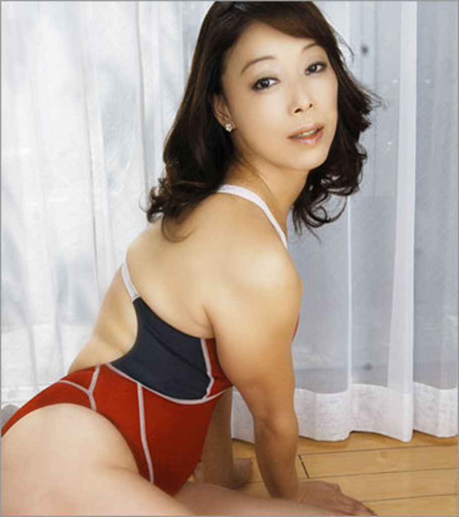 women tittie bang gif